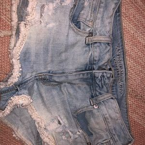 Light wash AEO Jean shorts
